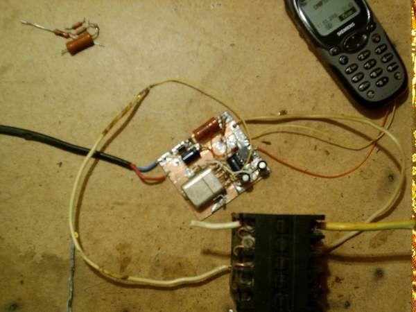 """фото3) Как видите я даже не травил печатною плату, все сделано навесным монтажем.   """"Про телефон """" Телефон пойдет самый..."""