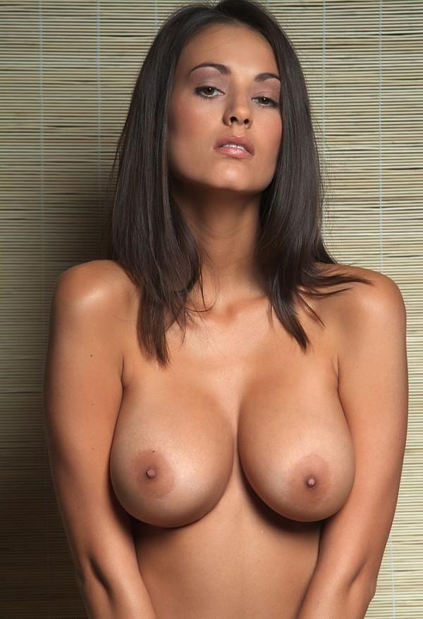 красивая грудь обнаженная фото